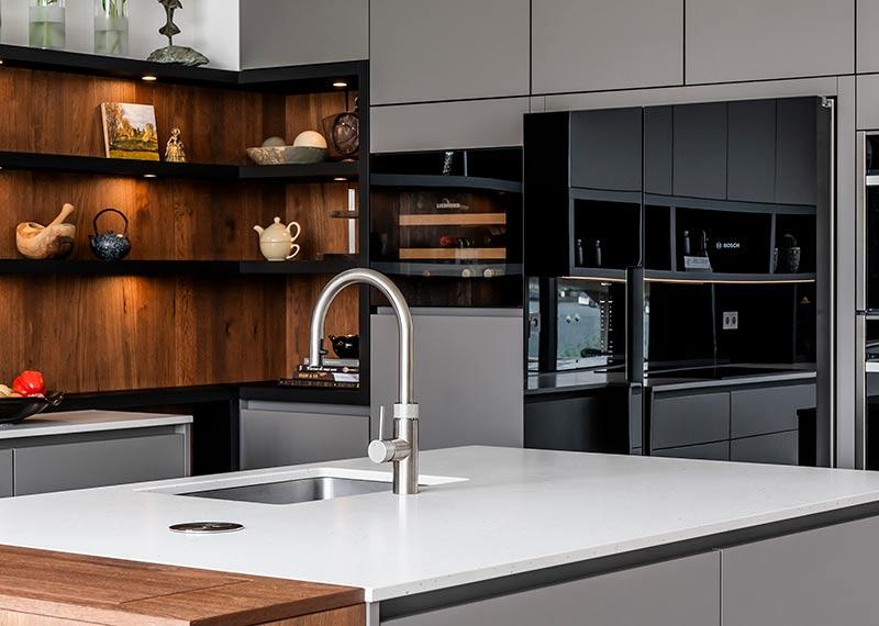 moderne keuken in natuurlijke kleuren